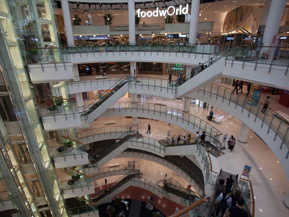 Difficile de croire que ce centre commercial abandonné en Thaïlande regorgeait de visiteurs.