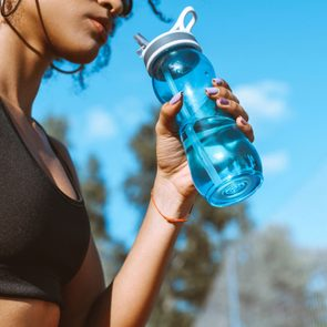 La déshydratation est l'un des dangers de l'été à surveiller.