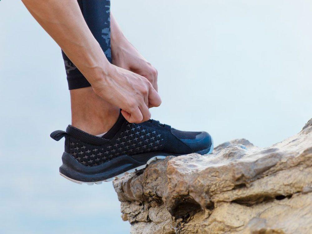 Le pied d'athlète est l'un des dangers de l'été à surveiller.
