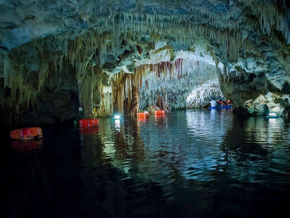 Les grottes de Diros.