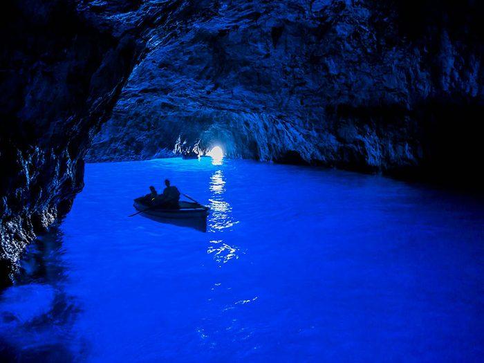 La grotte Azzurra, grotte bleue.
