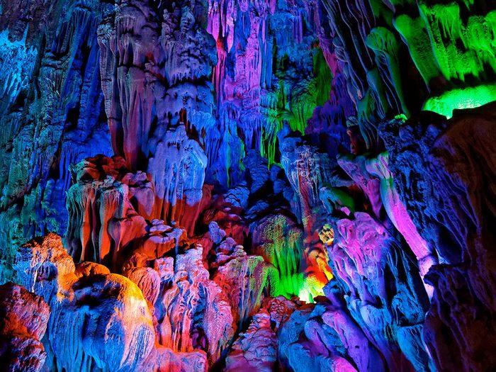 La grotte de la flûte de roseau.
