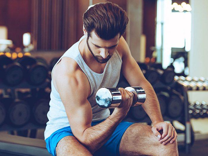 Vous ne soulevez pas d'haltère, ce qui ralentit votre métabolisme.