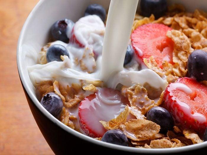 Vous mangez des céréales plutôt qu'une omelette, ce qui ralentit votre métabolisme.