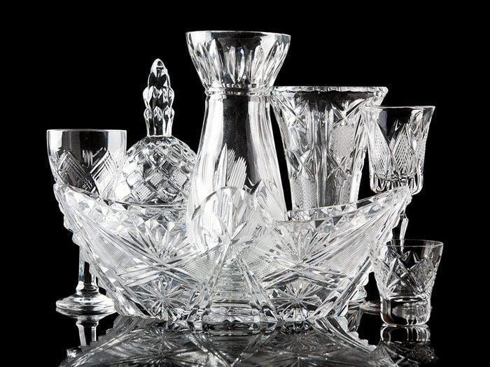 Des objets en cristal sont des objets vintages.