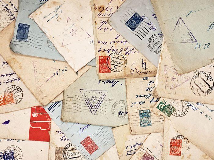 Les cartes postales sont des objets vintages.