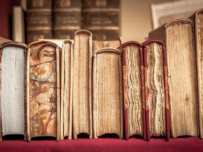 Les livres et les magazines sont des objets vintages.