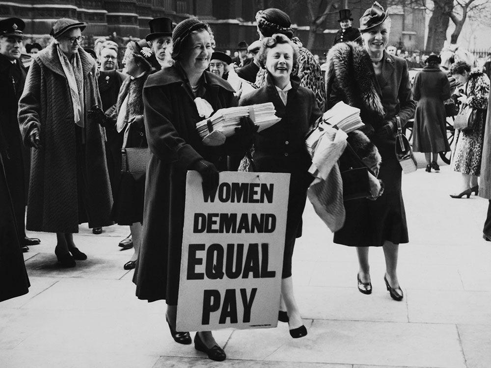 Une photo d'époque de la lutte pour les droits des femmes.