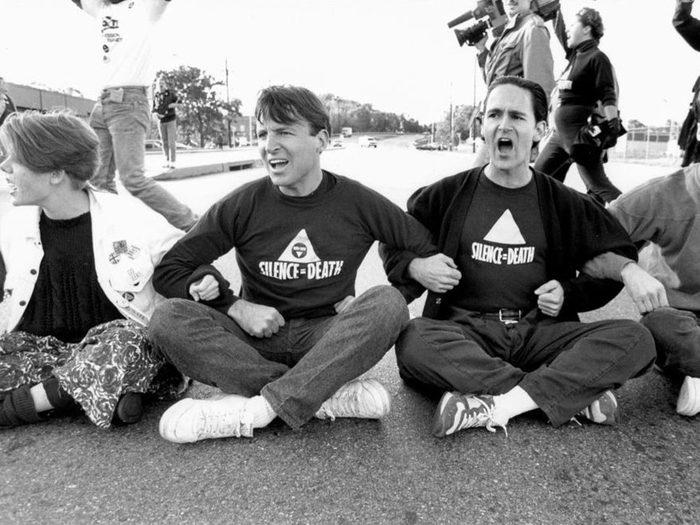 Une photo d'époque des protestataires du groupe politique ACT UP.