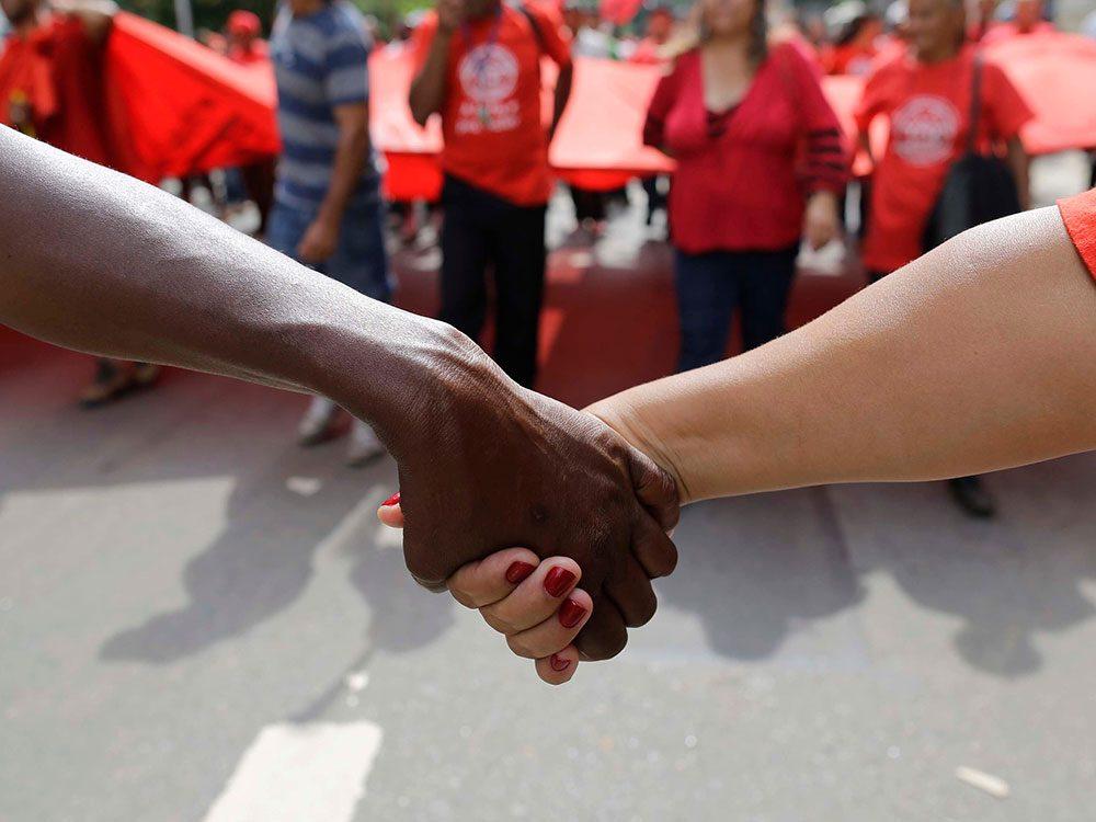 Racisme: comprendre ce qu'est le privilège d'être Blanc.