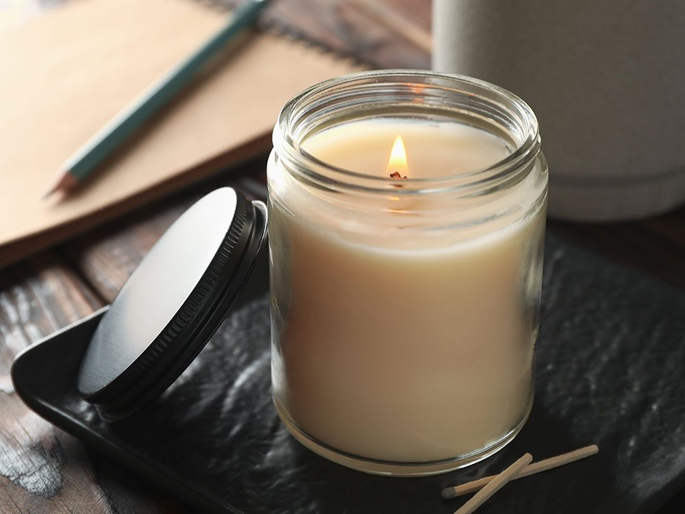 Les pots vitrés à bougies sont réutilisables.