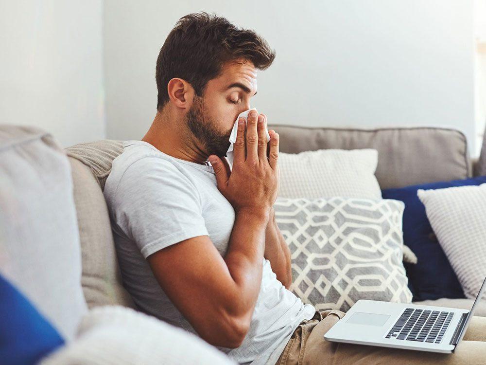 Ne sortez pas si vous vous sentez malade pour éviter la transmission de virus.