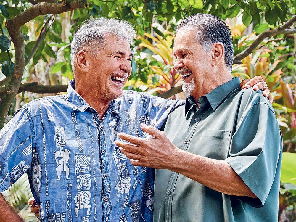 Amis de toujours, Alan Robinson (à gauche) et Walter Macfarlane ont fait sans le savoir le même test d'ADN: ils étaient frères.