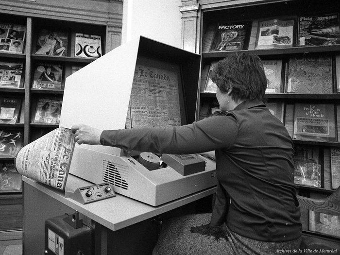 Québec d'autrefois: le lecteur de microfilms, 20 avril 1976.