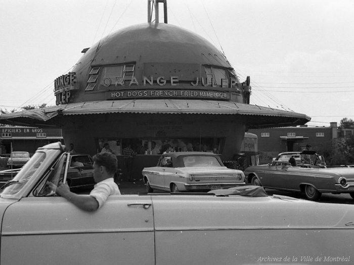 Québec d'autrefois: le restaurant Gibeau Orange Julep, 28 juillet 1964.