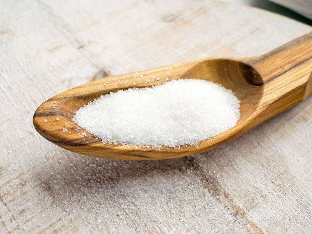 Les édulcorants artificiels font partie des aliments à éviter avant un entraînement.