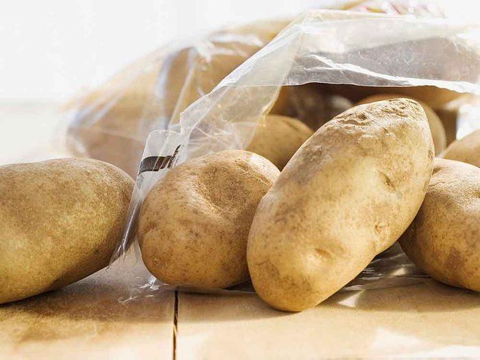 Comment conserver des aliments périssables tels que les pommes de terre?