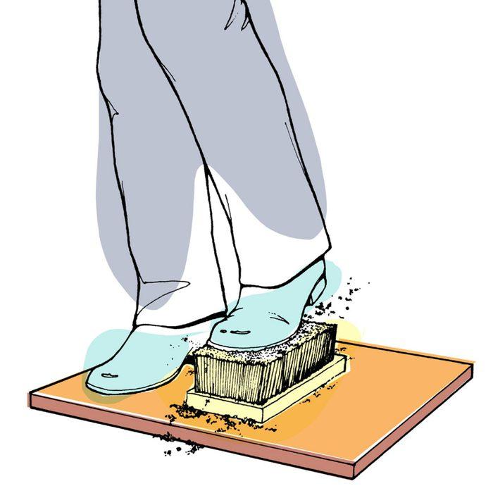 Astuces de bricolage: faire une brosse à chaussures portative.
