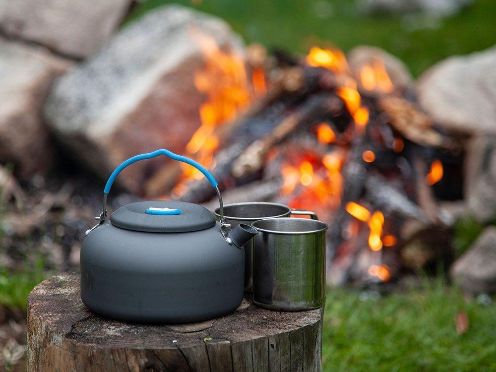 N'oubliez pas les essentiels si vous allez faire du camping.