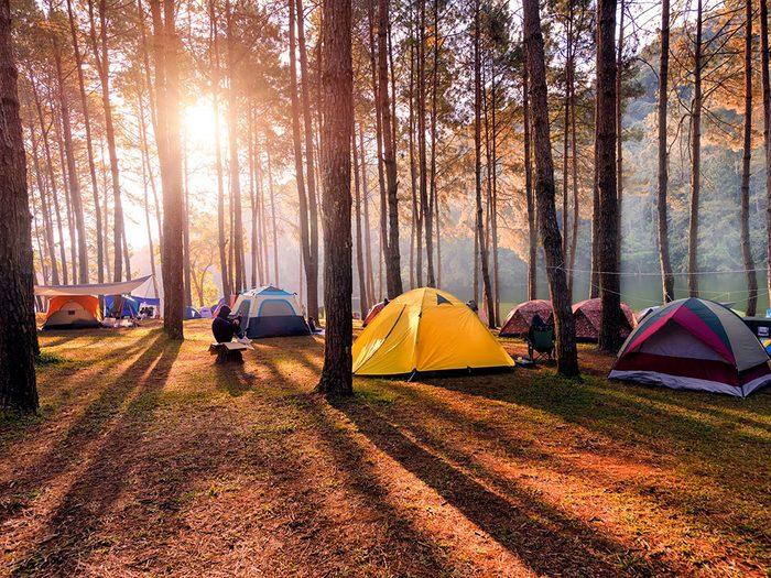 Mieux vaut connaître les règles d'étiquette du camping.