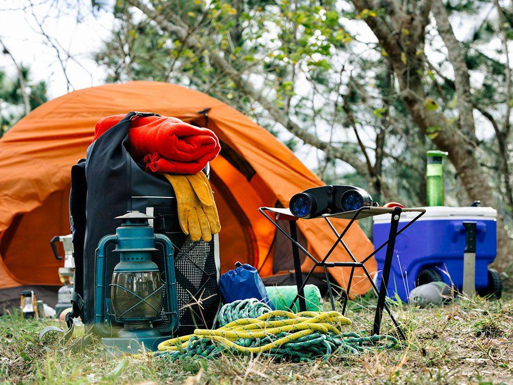 Évitez d'utiliser votre équipement pour la toute première fois en camping.