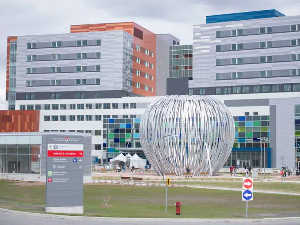 Covid-19: l'Hôpital Royal Victoriafait partie du site Glen du Centre universitaire de santé McGill à Montréal.
