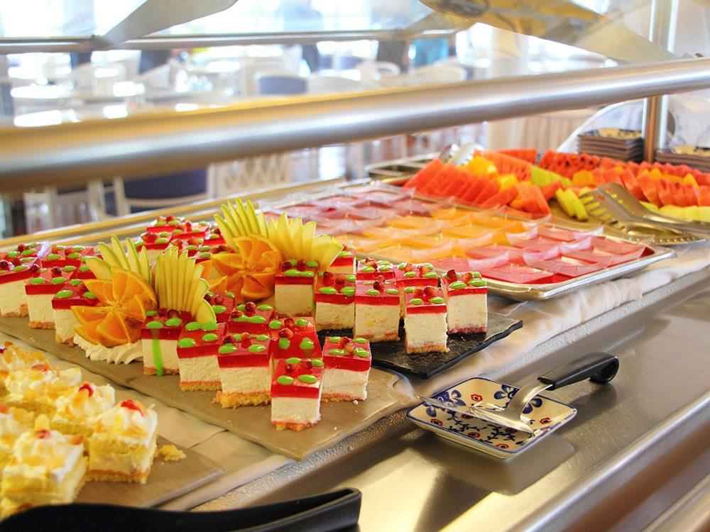 Les buffets en libre-service n'auront plus lieu lors d'une croisière.