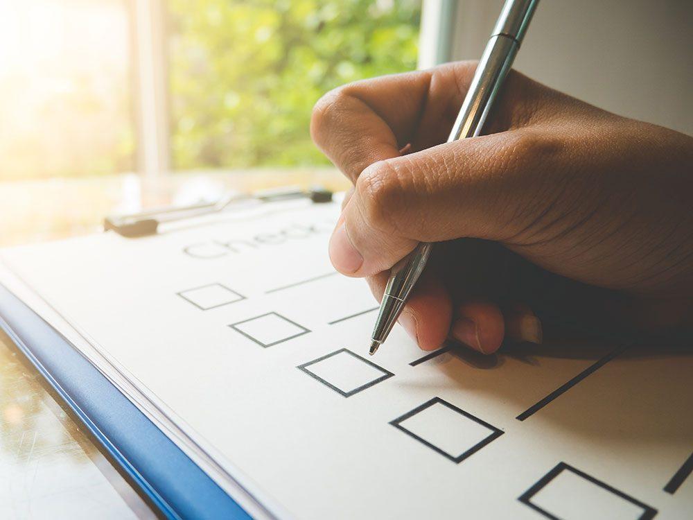 Faire une liste pour savoir par quoi commencer pour entretenir la maison.