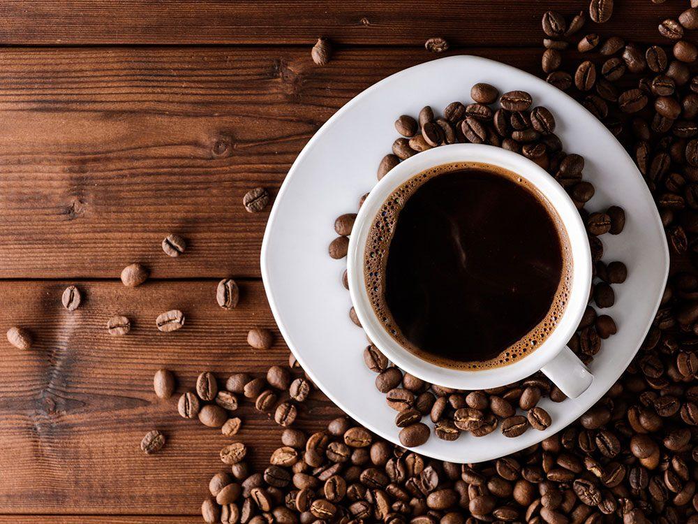 Une consommation excessive de caféine peut causer des étourdissements.