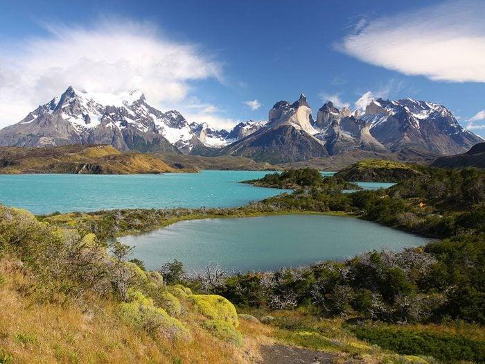 Le lac Pehoé, au Chil, dont l'eau est claire.