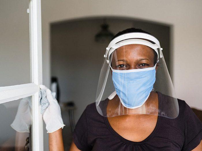 Masques de protection faciaux ou visières?