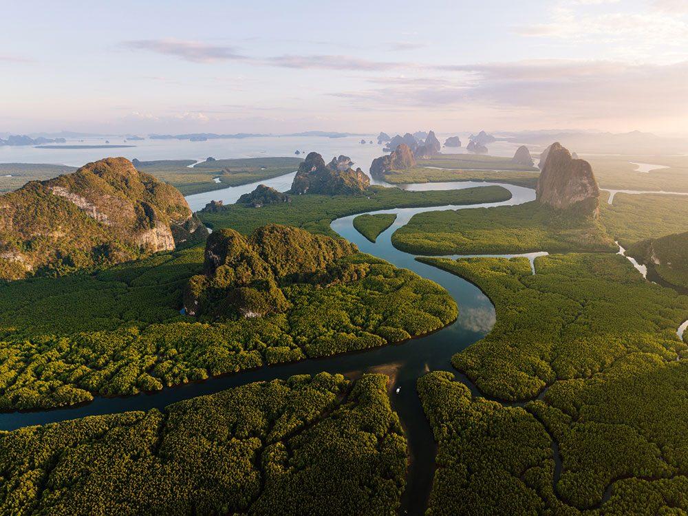 Photo aérienne de drone de la Baie de Phang Nga.