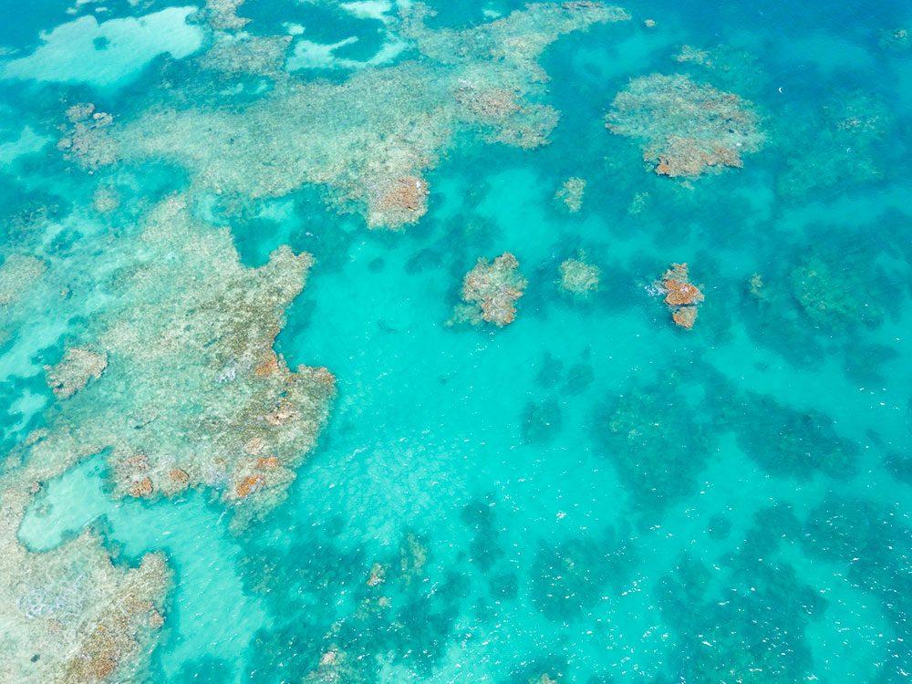 Photo aérienne de drone de la mer des Caraïbes.