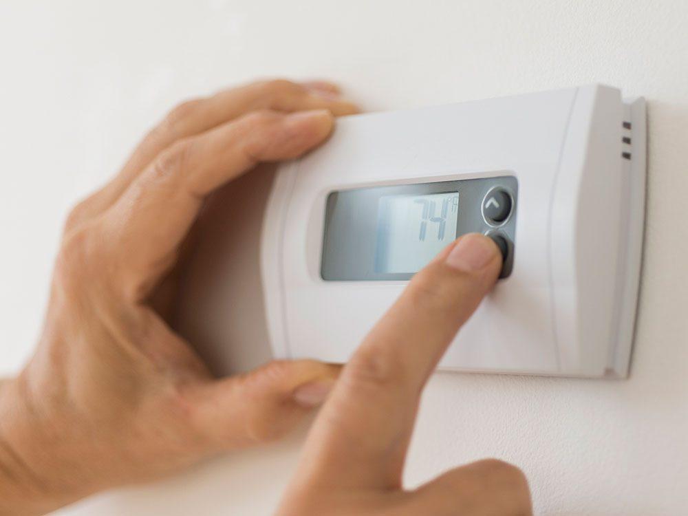 Allumer l'air climatisé pour éviter la pollution intérieure.