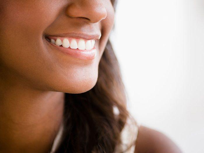 Considérez un scellant pour prévenir la carie dentaire.