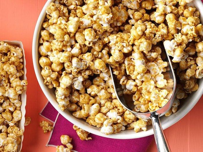 Popcorn au caramel.