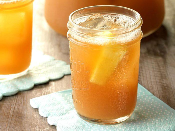 Thé glacé ananas et citron.
