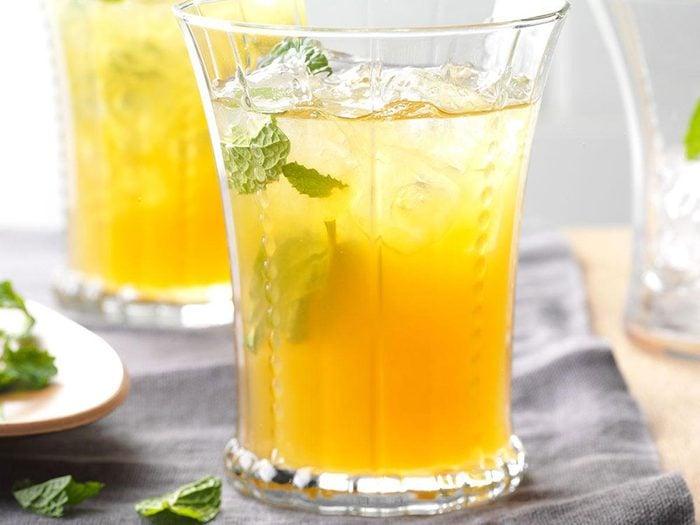Thé glacé à la limonade aux abricots.