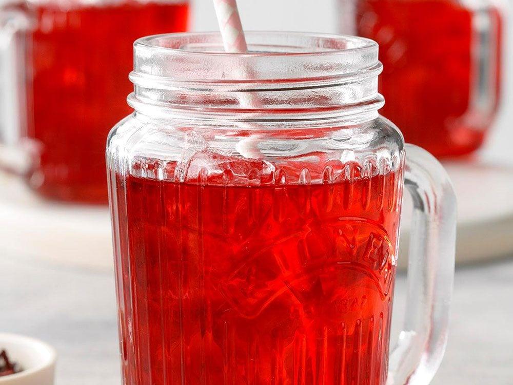 Thé glacé à l'hibiscus.