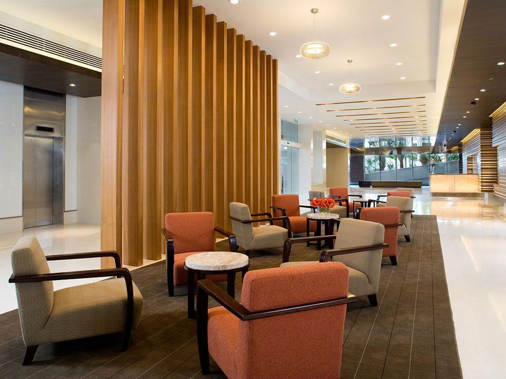 Regardez l'aménagement de l'hôtel avant de faire votre réservation à l'hôtel.