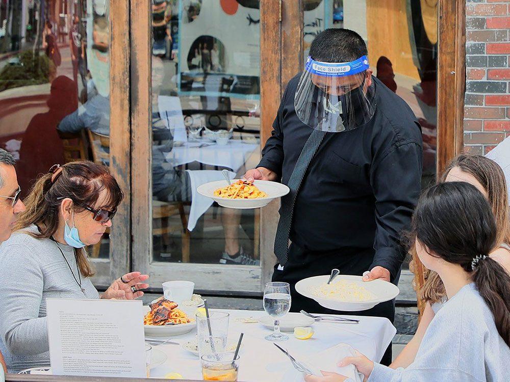 Le nouveau look du service aux tables dans les restaurants.