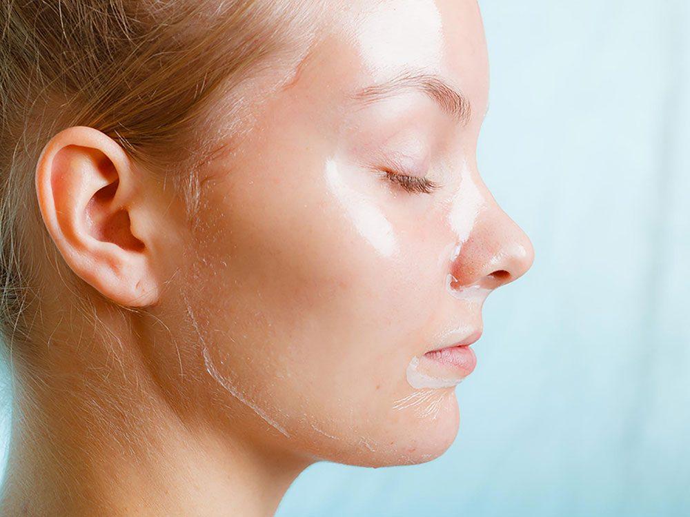 Soin de la peau: ne pas mélanger retin-A et exfoliations (ou épilation à la cire).