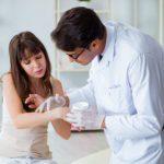 Soins de la peau: 12 questions à poser à votre dermatologue