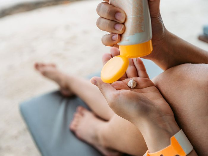 Quel niveau SPF d'écran solaire choisir dans le cadre des soins de la peau?