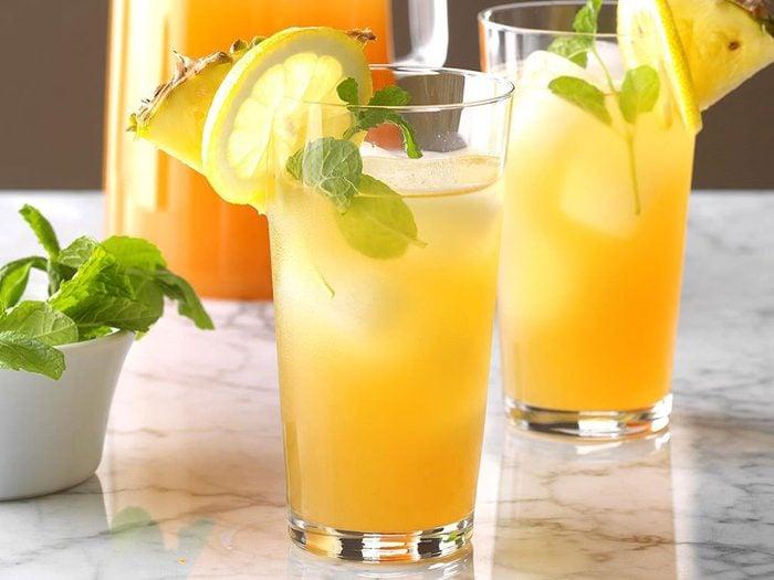 Recette de thé glacé à l'ananas.