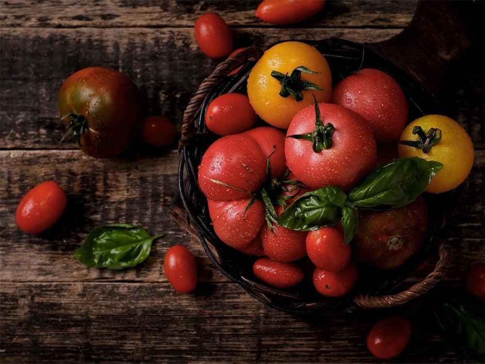 À 50 ans et plus, consommez des tomates.