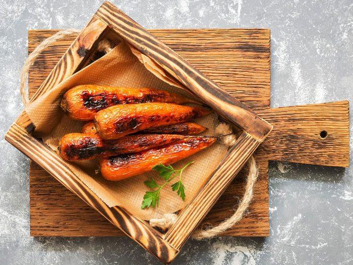 Les carottes glacées au jus de grenade font partie des recettes à essayer pour l'Action de grâce.