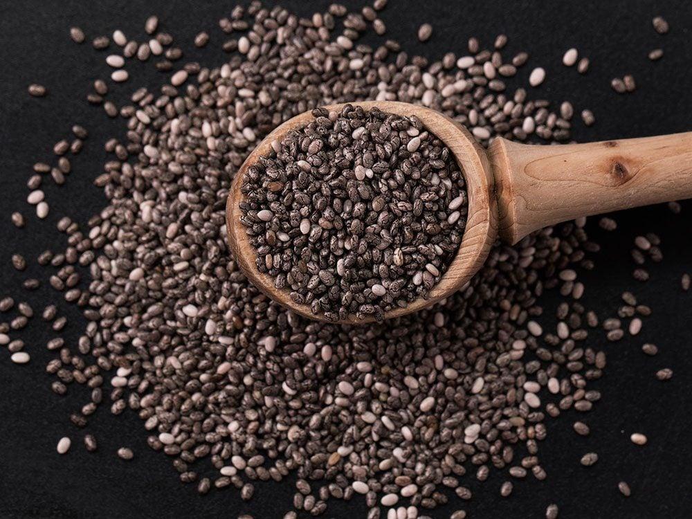 Les graines de chia sont des aliments riches en fer.