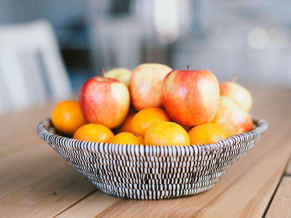 Faites attention aux fruits pour soulager vos allergies saisonnières.