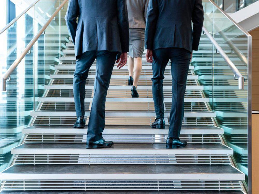 Les insultes portant sur le genre font partie du harcèlement sexuel au travail.